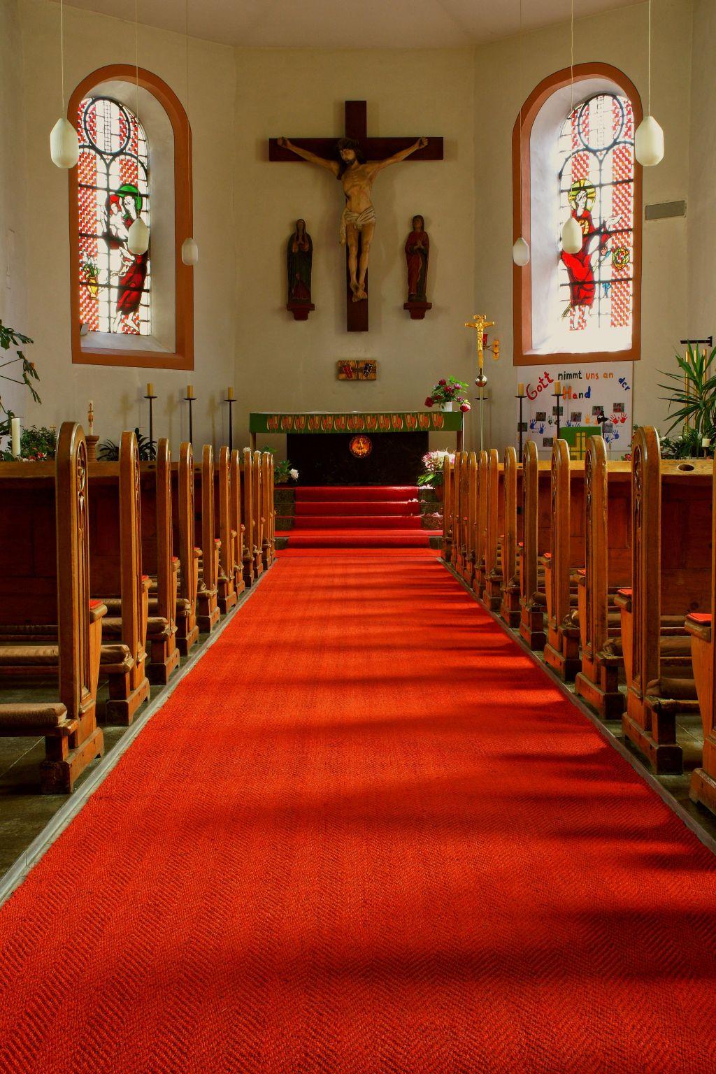 Kirchenläufer Kirche Eisenschmitt